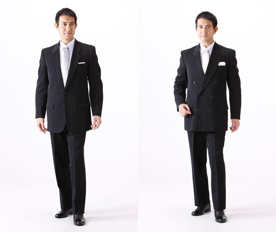 礼服のブラックスーツ