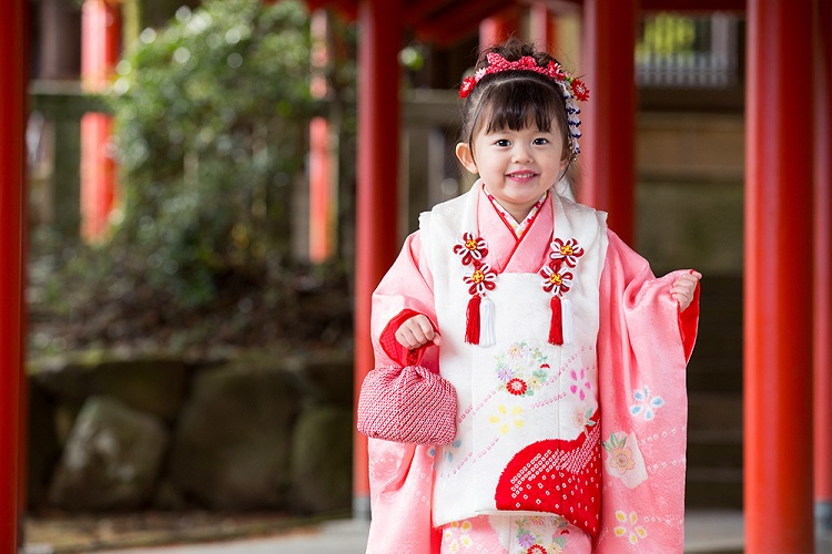 2019年の七五三 3歳の女の子に人気の着物の色は?