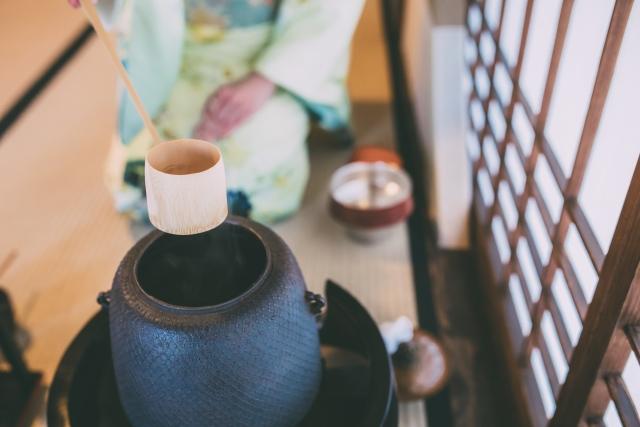 茶道で着る着物の生地や柄