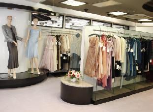 黄金町エリアのレンタルドレス晴れ着の丸昌のショップイメージ
